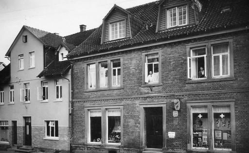 , li_0620, Lange Straße Drogerie Pickel ca. 1952, 1952