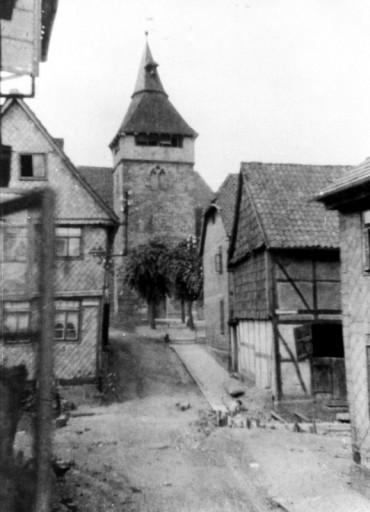 , li_0108, Stadtrundgang um1930 An der Kirche, um 1930