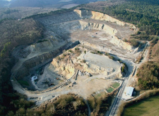 , li_0697, Zementwerk, neuer Steinbruch, um 1990