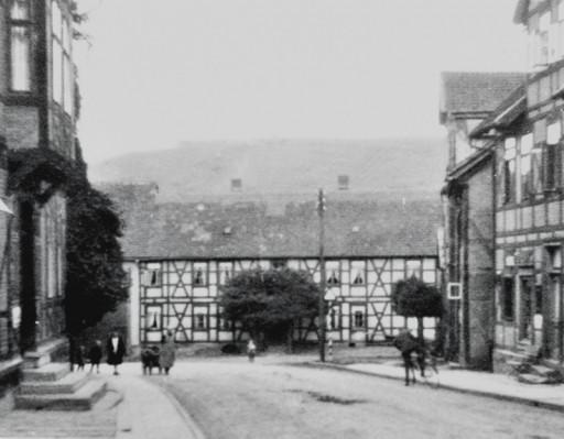 , li_1053, Blick auf den heutigen Lindeplatz noch ohne Brunnen, 1932