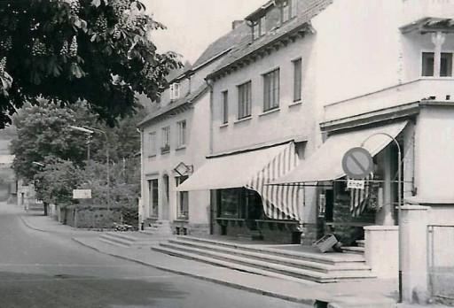 , roll_0013, Vor dem Tore 1955, um 1955